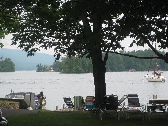 Carey's Lakeside Cottages: Lake George, Carey's