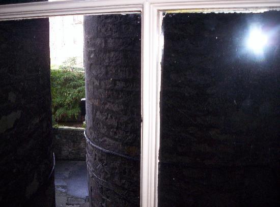 Lantern Guest House: vue de la chambre 4