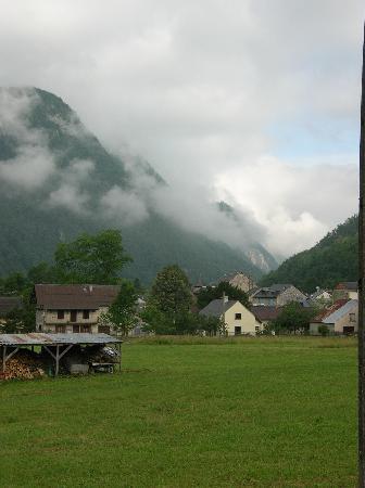 Aulus-les-Bains, Francia: le gite et une partie du village