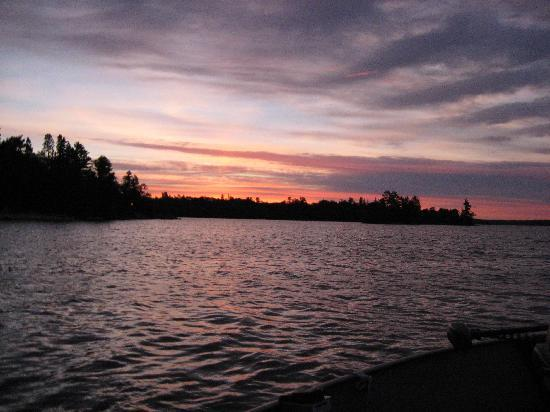 Ludlow's Island Resort: Sunrise on Vermilion