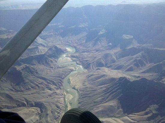 Air Grand Canyon: Colorado River from plane