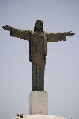 Puerto Plata, Dominicaanse Republiek: Statue at top of mountain
