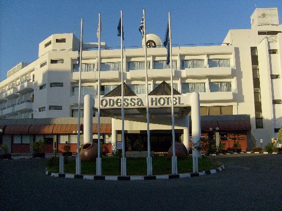 Odessa Beach Hotel: Front of hotel
