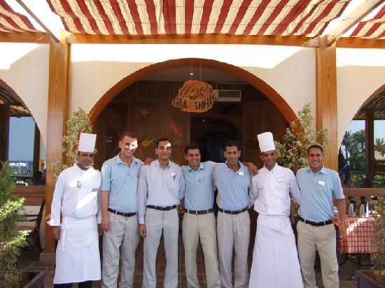Movenpick Resort Taba Hotel : le personnel du seaschell