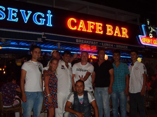 Hotel Aqua: sevgi bar staff on our last night