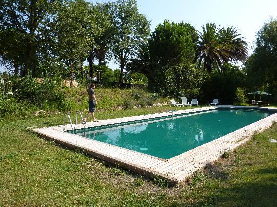 Domaine La Fauvelle: La piscine
