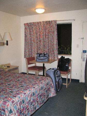 Motel 6 Kalispell: room