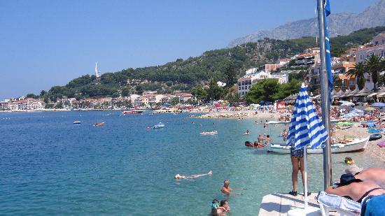 Podgora, Croacia: Strand