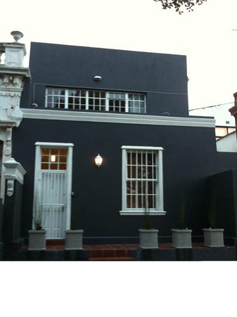 Hoerikwaggo B&B Backpackers: Dutch home set in historical Bo-Kaap has become a base for young travellers. a host of journalis