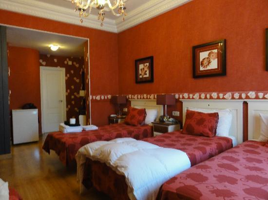 Hostal Adria Santa Ana: Cuádruple muy cómoda