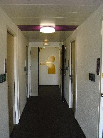 hotelF1 Nimes est Marguerittes: Corridor