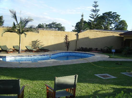 Ahadi Lodge: The pool was beautiful