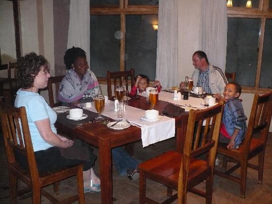 Ahadi Lodge: Dinner was wonderful