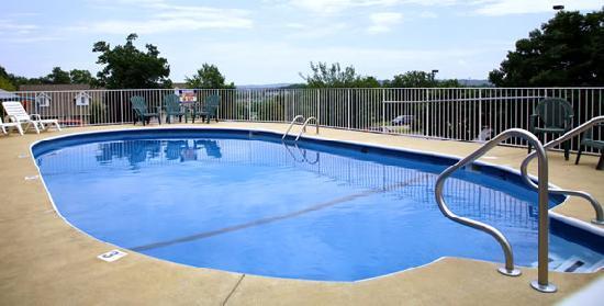 Seven Gables Inn: Pool