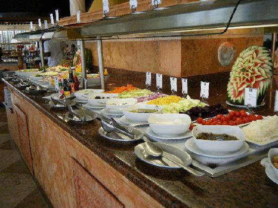 Grand Park Royal Cancun Caribe Buffet Style Restaurant Serves Fantastic Food