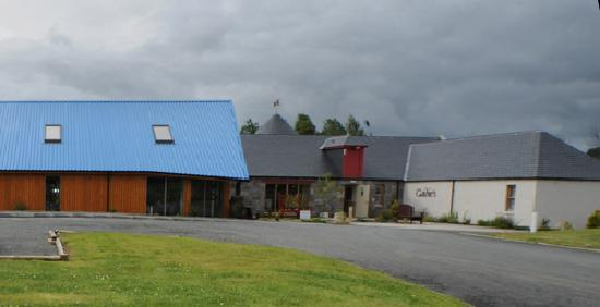 Gadie's Restaurant: Look out for the blue roof