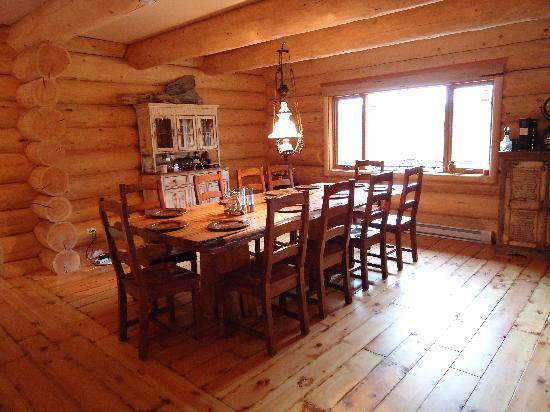 Clearwater Springs Ranch: Dining room