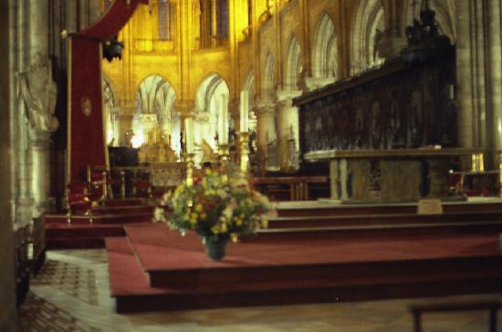 Parijs, Frankrijk: Inside Notre Dame