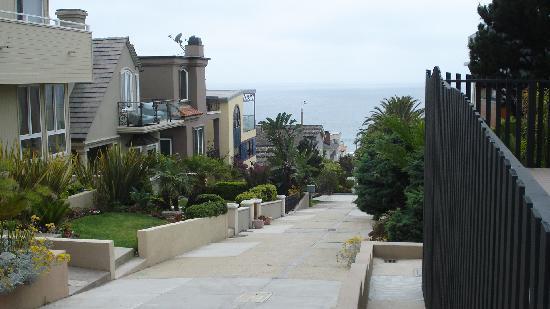 แมนฮัตตันบีช, แคลิฟอร์เนีย: View to beach