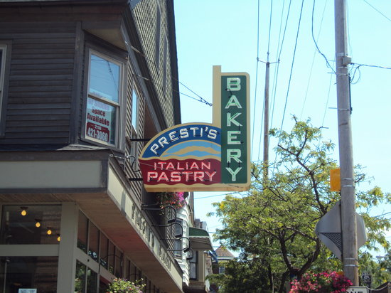 Presti's Bakery & Cafe: Presti's Sign