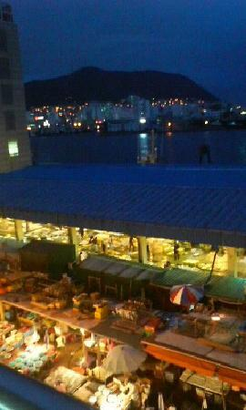 Busan, South Korea: ジャガルチの夜景