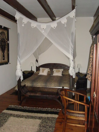 Cheetah Lodge: One of the beautiful guest rooms