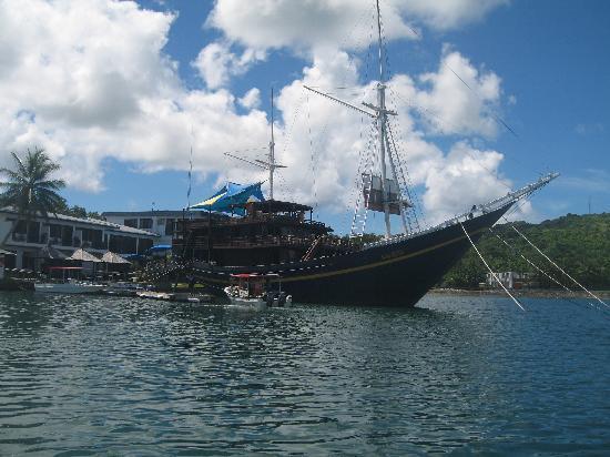 Colonia, Federated States of Micronesia: Blick auf die Mnuw und Mantaray vom Pazifik aus