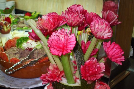 Hotel Magic Villa de Benidorm : food presented lovely