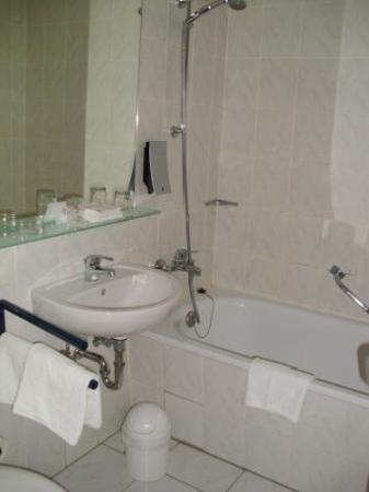 Holiday Inn Berlin City East : Nice bathroom
