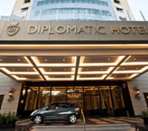 Diplomatic Hotel: Fachada del hotel