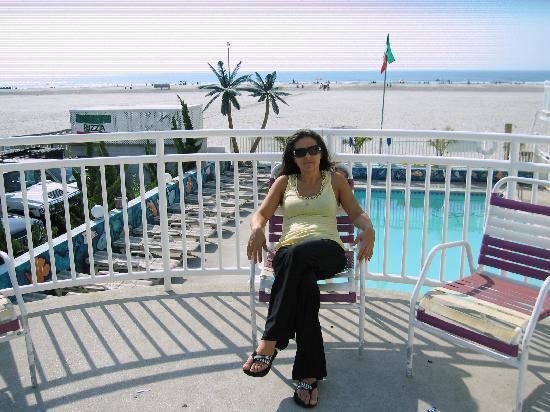 Coliseum Ocean Resort: Terrace