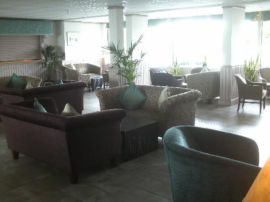 The Pines Hotel: lounge