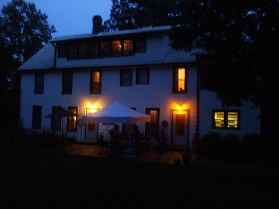 Black Mountain Inn: warm and cozy