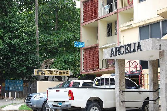 Hostal Casa Rica: front of zulys