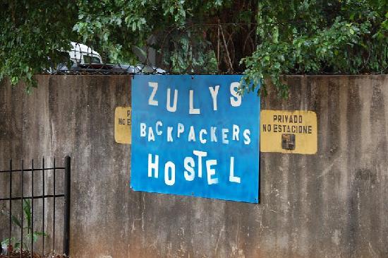 Hostal Casa Rica: zulys sign