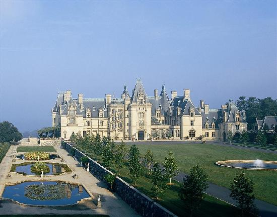 Biltmore Mansion, Asheville, North Carolina Built by George Washington Vanderbilt II in the style of a chateau, this residence is considered one of the most outstanding examples of the Gilded moderngamethrones.gar: B. C. Forbes.