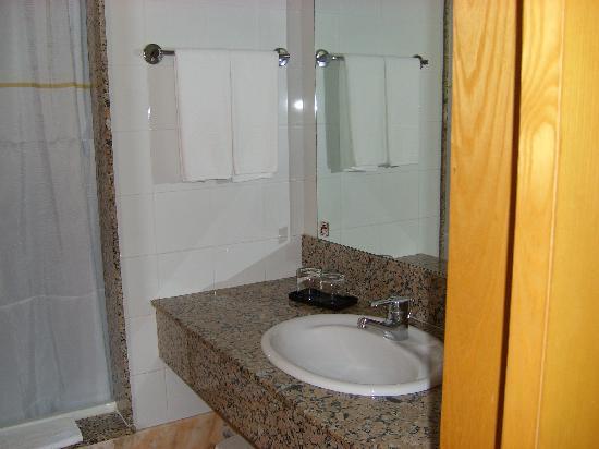 Hotel Riu Palace Meloneras Resort: Typical bathroom