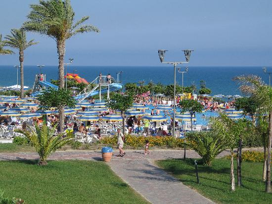 Serenusa Village : Le piscine