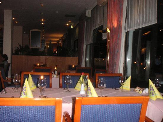 Carat Golf & Sporthotel: Restaurant- Teilbereich