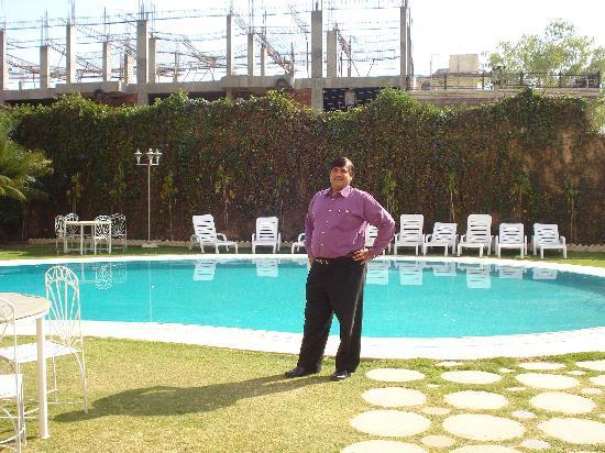 Hotel Exterior Picture Of Hotel Paras Mahal Udaipur Tripadvisor