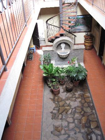 Hotel Los Balcones de Chinandega: Indoors view