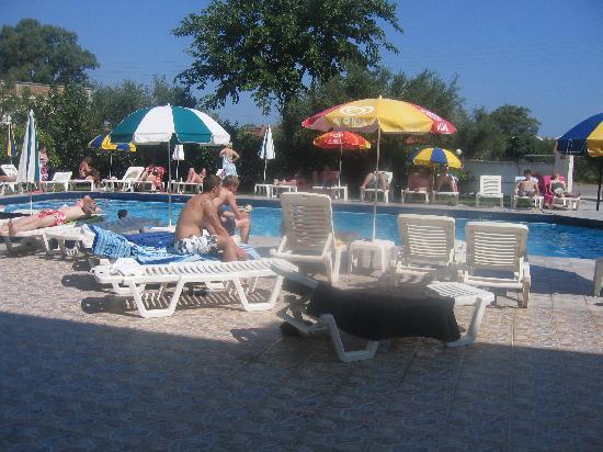Prokopis Studios Apartments: The pool