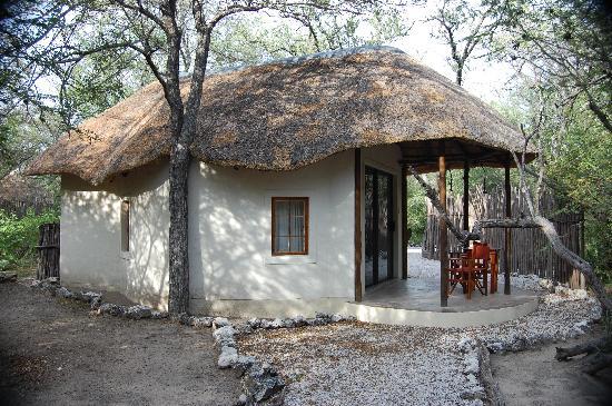 Etosha Aoba Lodge : Bungalow Aussenansicht