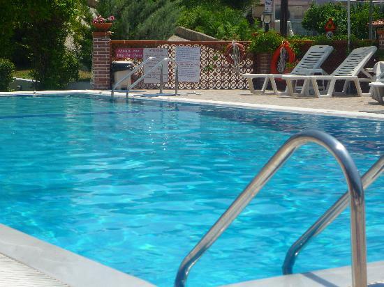 Villa Angelika Apartments & Studios: Angelika pool