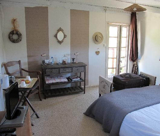 La Maison de Christelle: vue de la chambre