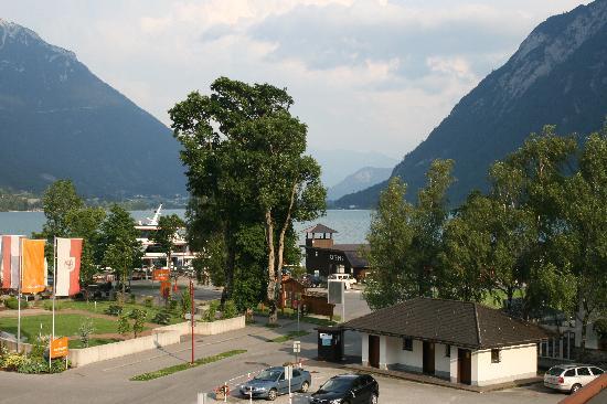 Hotel Christina: Blick auf den See vom Zimmer