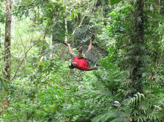 Rios Tropicales: Local 4 cable zip line.