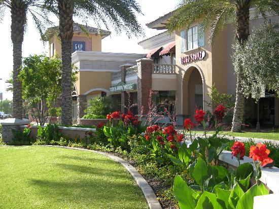 Chandler, AZ: Casa Paloma Mall