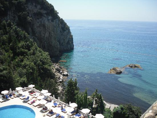 Mayor La Grotta Verde Grand Resort: View of pool from rooftop