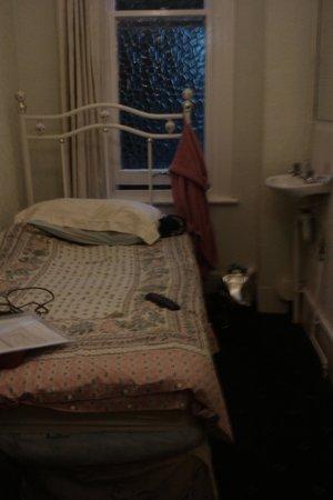 Trendway Guest House: My room